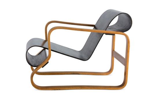 fauteuil-noir-Alvar_Aalto_Paimio_cite_du_patrimoine-architecture_expoisition-hotel_sevres_Saint-Germain